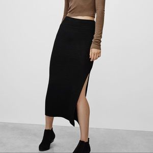 Aritzia Wilfred Free Shields Skirt in Black